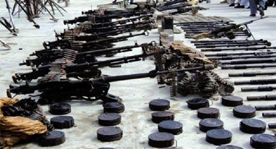 Une cache d'armes et de munitions découvertes à Adrar