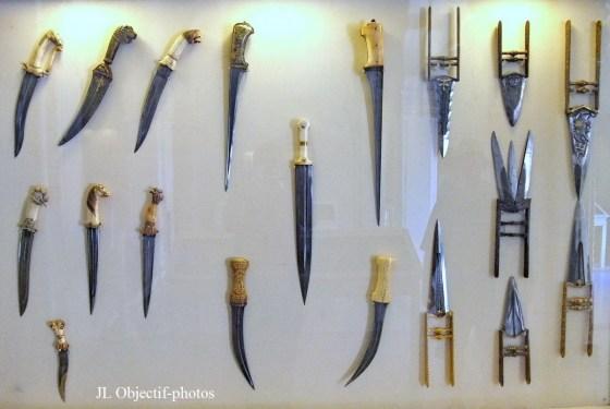 Un arsenal d'armes blanches saisi à Rouiba