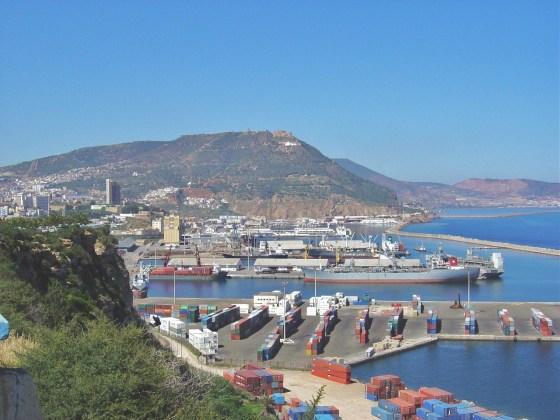 Une partie du Port d'Oran ravagée par un incendie