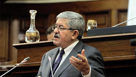 Ouyahia promet la réactivation du Fonds d'aide aux médias