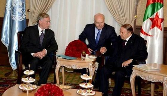 SG de l'ONU pour le Sahara occidental : Le président Bouteflika reçoit Horst Kohler