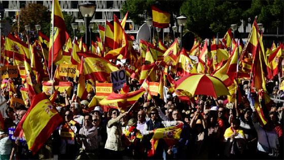 Espagne : Madrid destitue le chef de la police catalane