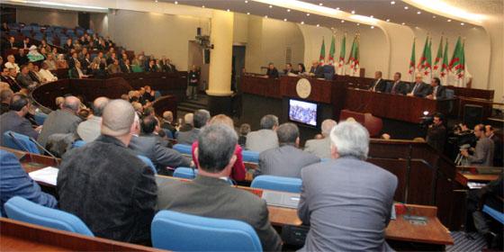 Les députés plaident pour plus de prérogatives aux élus locaux