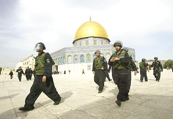 Les Palestiniens de moins de 50 ans ne peuvent pas prier à Al-Aqsa