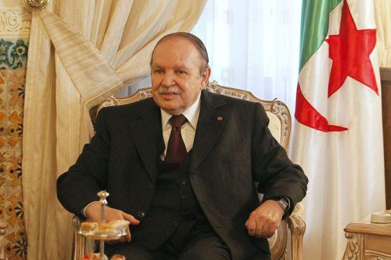 Bouteflika: Alcomsat-1 un outil à « des fins pacifiques »