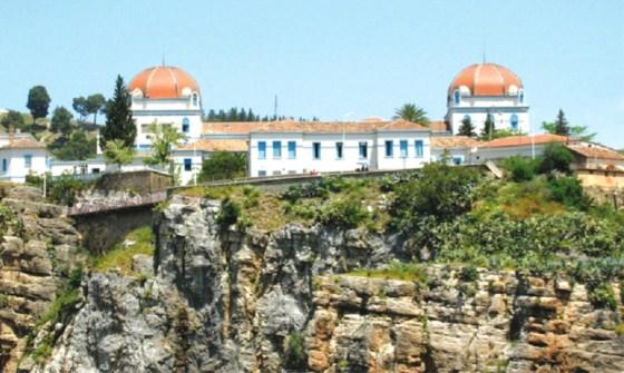 Des dizaines de cancéreux abandonnés au CHU de Constantine