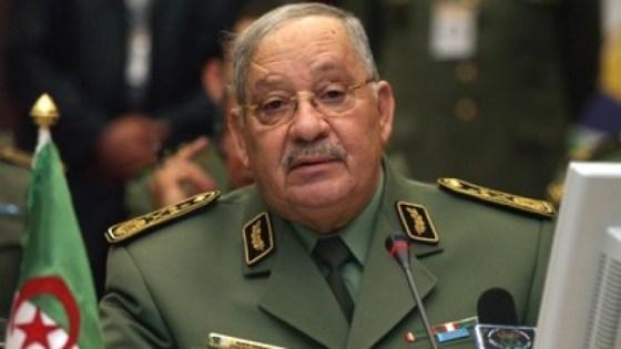 Gaid Salah en visite à la 4e région militaire