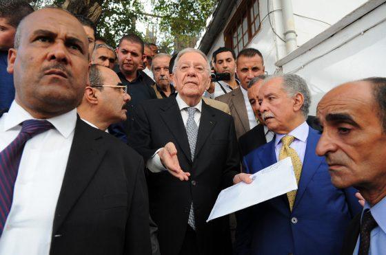Le FLN installera dans la « sérénité » des commissions de wilaya