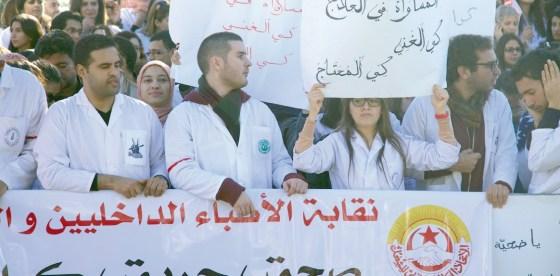 Les médecins menacent de ne pas assurer le service minimum