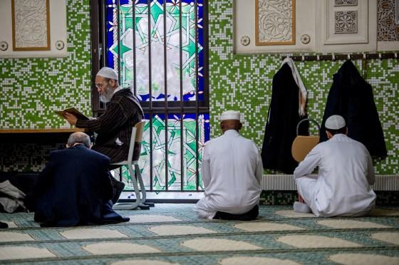 L'Algérie disposée à former des imams en Belgique