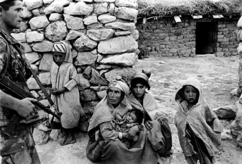 Guerre de libération: La France reconnaît le droit à une pension aux victimes civiles algériennes