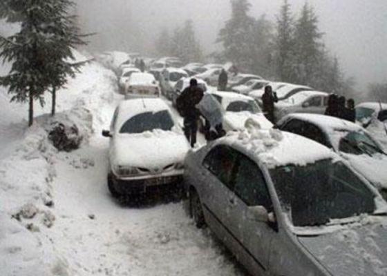 Neige et circulation difficile à Médéa
