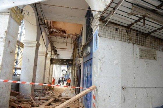 Cinq blessés dans l'effondrement du toit d'un immeuble à la Casbah