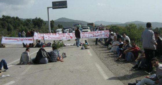Bejaia: le CW 73 fermé par les habitants de Djebla