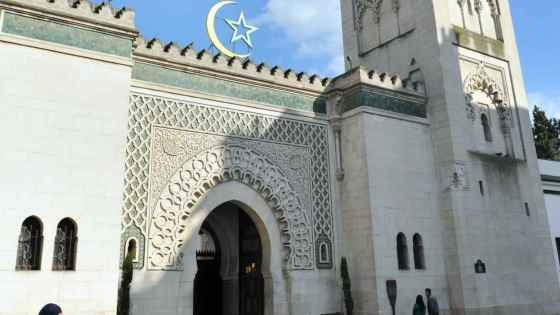 Un imam algérien menacé d'expulsion de France