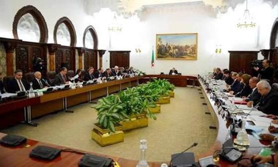 Conseil des ministres : création de onze zones industrielles sur des terres agricoles