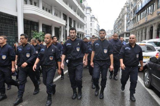 Pas de syndicat pour les policiers frondeurs et Hamel inamovible