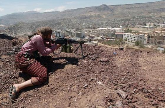 Guerre sans merci entre les rebelles houthis et les terroristes d'Al-Qaïda