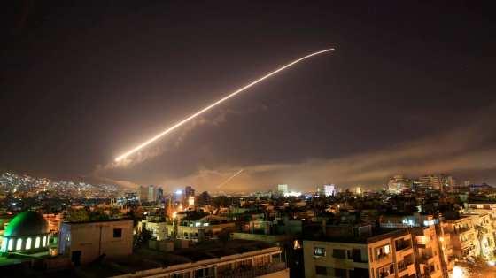 Attaques contre la Syrie par Washingtonn Paris et Londres
