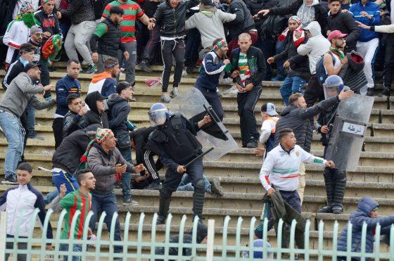 Violences dans les stades: la FAF promet des sanctions