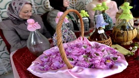 Fête annuelle de la distillation de l'eau de rose et de la fleur d'oranger