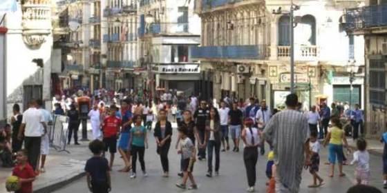 Les Algériens se préparent à tout sauf à pratiquer leur foi