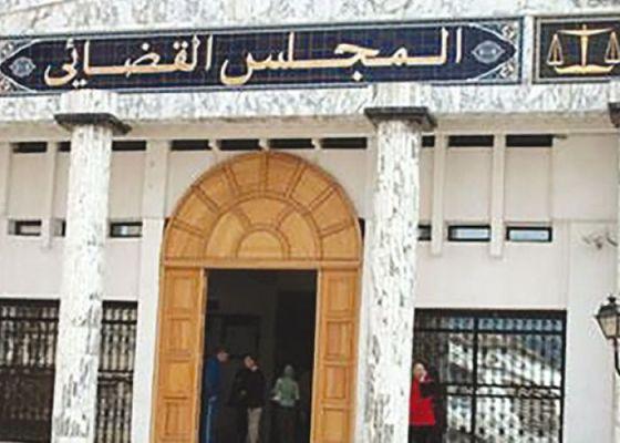 Mise sous contrôle judiciaire de huit douaniers