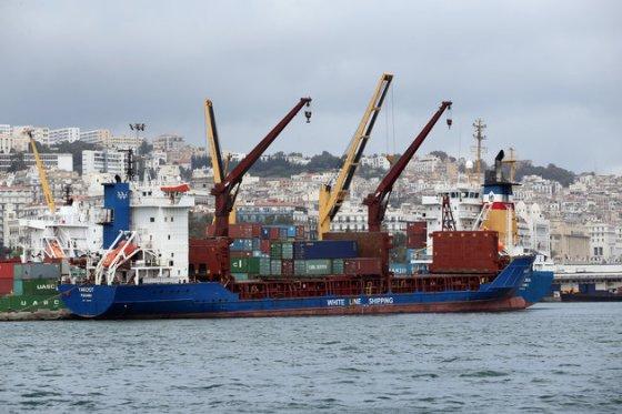 Loi de finances 2019:Léger repli des importations