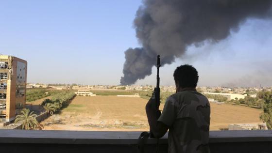 Affrontements à Tripoli : l'Algérie déplore le recours aux armes
