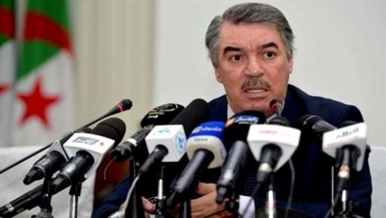 Hadjar :  «Vers l'octroi des bourses sans tenir en compte la situation des parents»