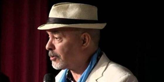 """Djamel Allam: """"Un Banc public"""" en Algérie"""