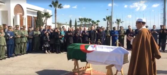 Abdelmalek Guenaïzia inhumé hier au cimetière de Sid-Yahia