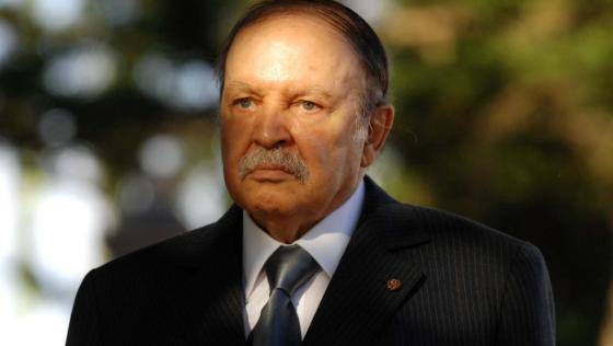 Abdelaziz Bouteflika annonce sa candidature