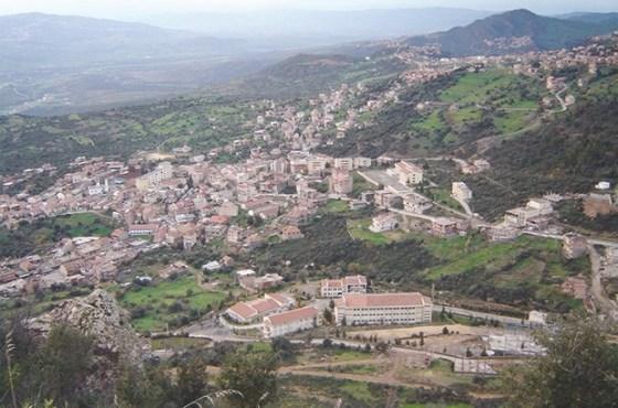 Lancement des projets de construction des hôpitaux de Bouzeguène et Aïn El-Hammam