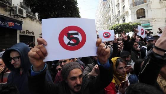 Béjaïa : Des lycéens se joignent aux marches citoyennes