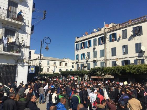 """Le peuple dit """"non"""" au 5e mandat"""
