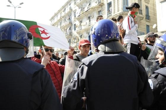 Marche citoyenne ''acte 2'' : Près d'un million d'Algérois battent le pavé dans le calme