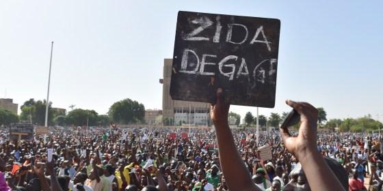 L'opposition réclame une transition civile au Burkina Faso