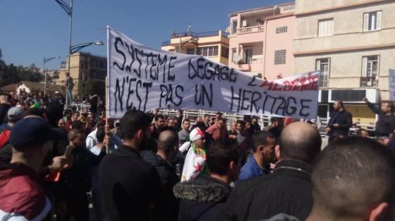 La mobilisation se renforce à Béjaïa