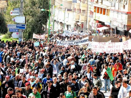 Gigantesque manifestation populaire à Tizi Ouzou