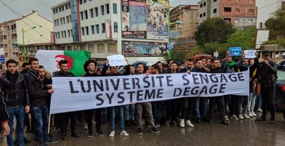 Imposante marche des étudiants à Tizi-Ouzou