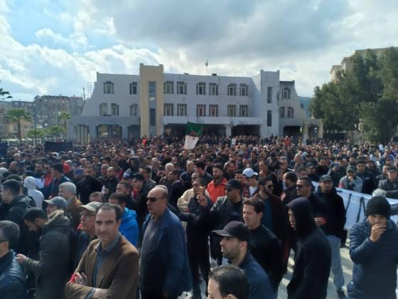 Manifestations à Annaba: « Non aux 3 B »