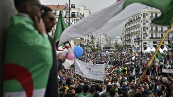 11e vendredi de marches pacifiques : Les revendications du peuple montent d'un cran