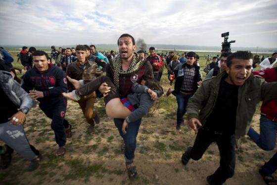 Une dizaine de Palestiniens blessés dans des heurts à Al-Aqsa