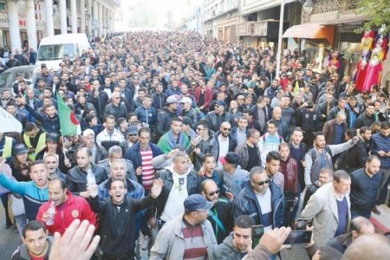 Tizi Ouzou : Des dizaines de milliers de manifestants dans la rue
