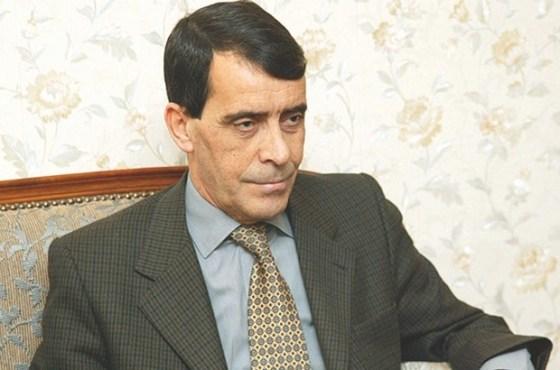 Le procès en appel du général-major Benhadid renvoyé