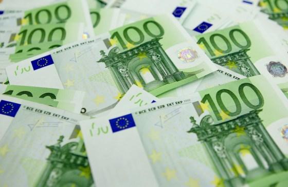 Plus de 320 000 euros saisis à l'aéroport de Constantine