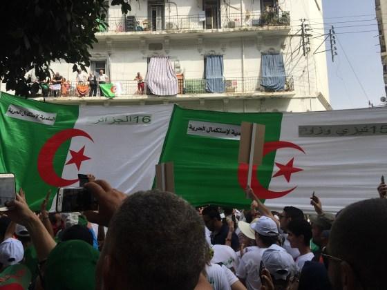21e vendredi de mobilisation citoyenne Le hirak se poursuit dans la liesse