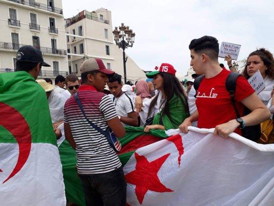 22e marche: Les étudiants maintiennent le cap