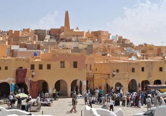 Ghardaïa sous un soleil de plomb